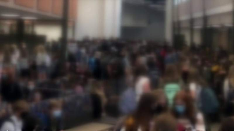 Parents concerned about student safety after photo of Metro Detroit surfaces online