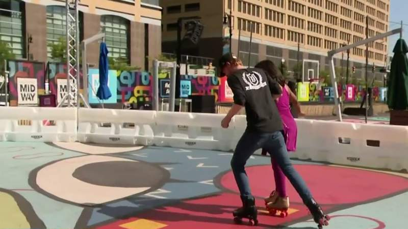 Fitness Friday: Rollerskating at the Monroe Street Midway