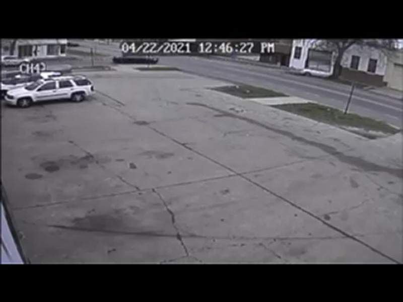 A shooting suspect leading Detroit police on a chase crashes into a tree.