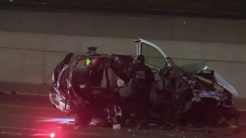 GF Default - Violent crash closes I-96 express lanes near Southfield Freeway