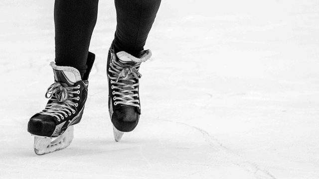 Skate for free on Customer Appreciation Day at Veterans Memorial Pool and Ice Arena. Credit | MaxPixel