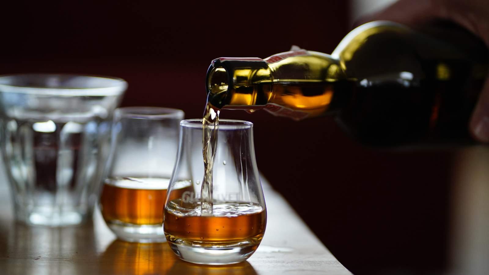 State suspends 3 liquor licenses, cites 4 establishments for violating Michigan COVID order - WDIV ClickOnDetroit