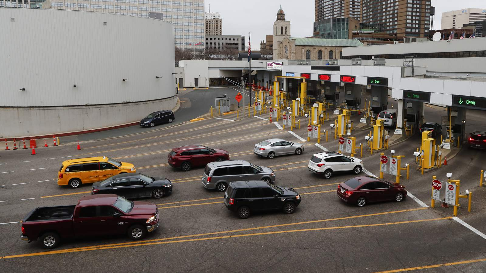 Detroit Windsor Tunnel Set To Close As Us Canada Shut Down Border To Non Essential Traffic