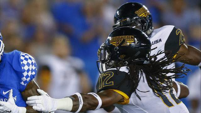 Southern Miss Golden Eagles defenders at Commonwealth Stadium on September 3, 2016 in Louisville, Kentucky. Southern Mississippi defeated Kentucky 44-35. (Photo by Michael Hickey/Getty Images)