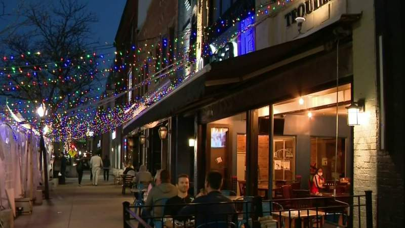 Royal Oak approves social district with outdoor drinking