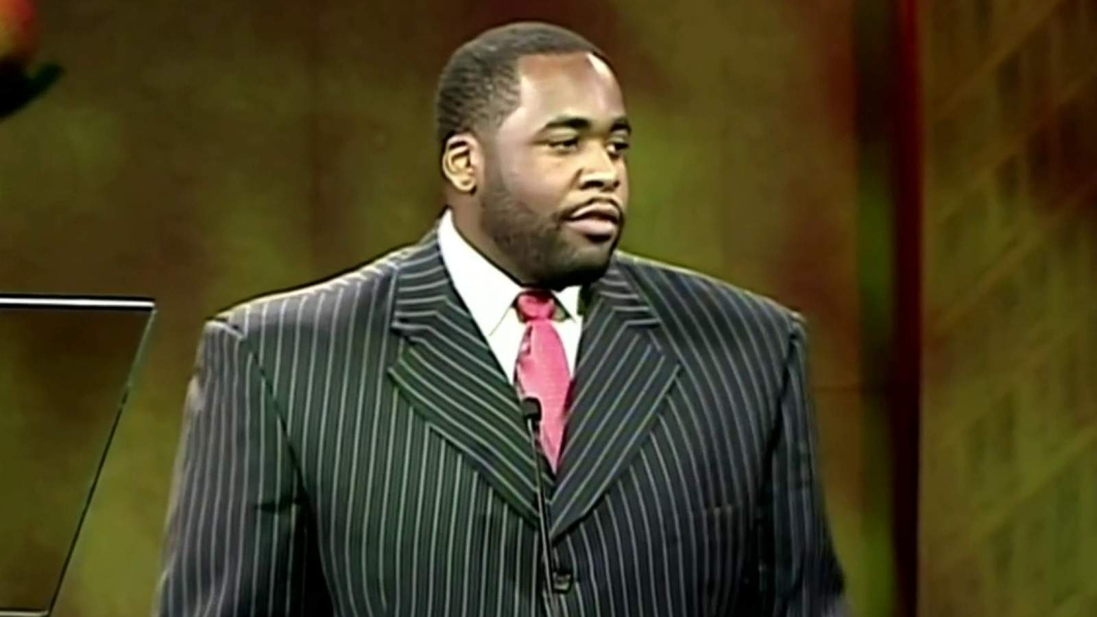 Kwame Kilpatrick supporters angry over decision not to...