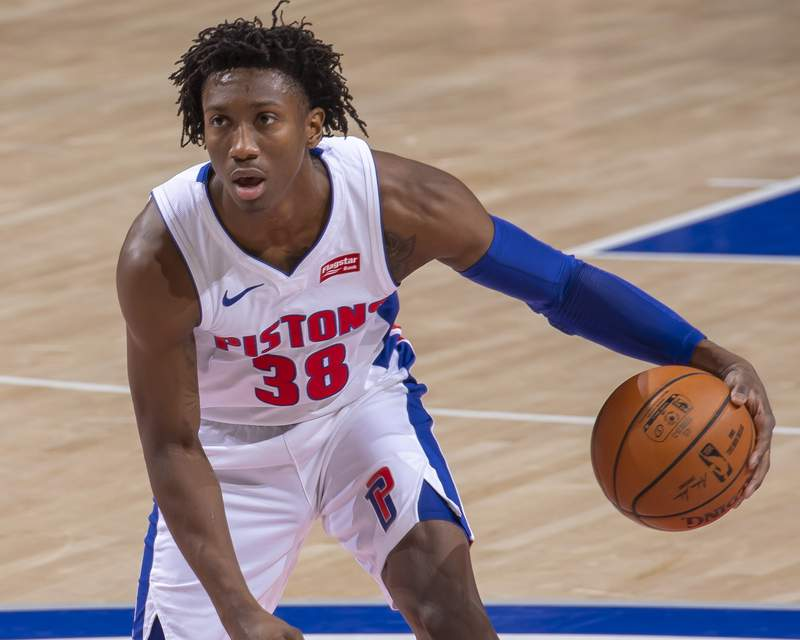 DETROIT, MI - DECEMBER 13: Saben Lee #38 of the Detroit Pistons moves the ball up court against the New York Knicks in the second half of an NBA game at Little Caesars Arena on December 13, 2020 in Detroit, Michigan. NOTE TO USER: User expressly acknowledges and agrees that, by downloading and or using this photograph, User is consenting to the terms and conditions of the Getty Images License Agreement. Detroit defeated New York 99-91. (Photo by Dave Reginek/Getty Images)