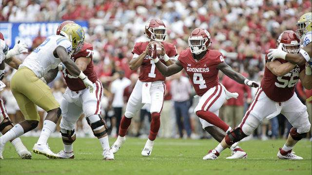 Quarterback Kyler Murray #1 of the Oklahoma Sooners looks to pass against the UCLA Bruins at Gaylord Family Oklahoma Memorial Stadium on September 8, 2018 in Norman, Oklahoma. The Sooners defeated the Bruins 49-21. (Photo by Brett Deering/Getty Images)