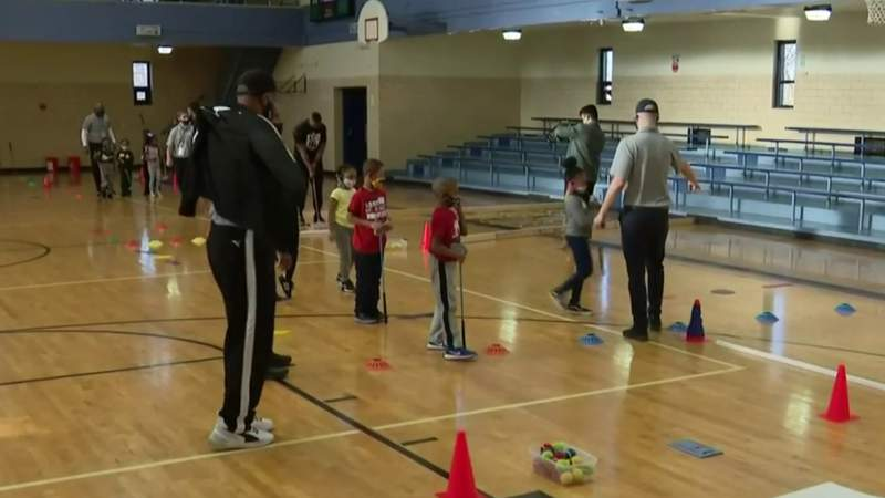 Detroit kids learn golf through new program from P.A.L. and First Tee