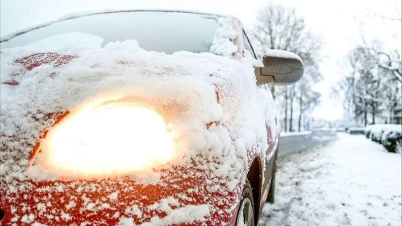 Snow on vehicle. (Generic)