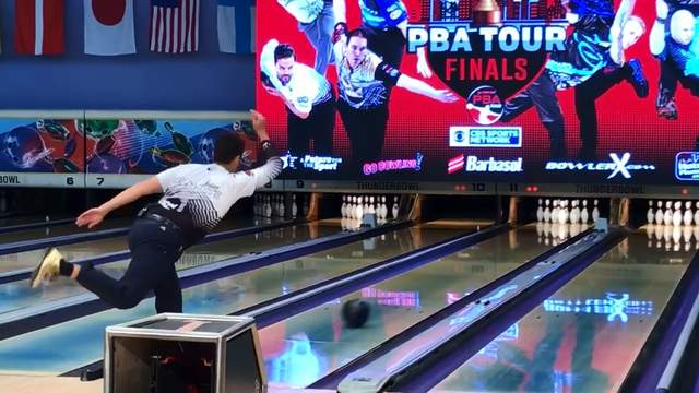 Some of the world's best bowlers compete at the PBA Tour Finals on May 4, 2018 in Allen Park, Mich. (WDIV)