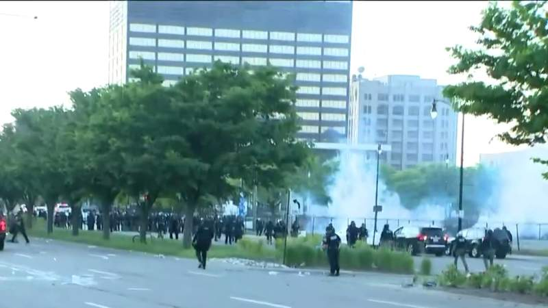 Detroit police curfew at police brutality protests