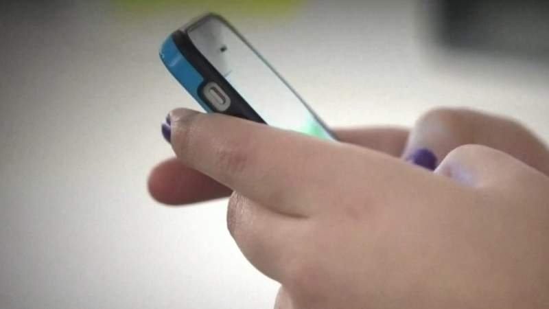 New warning issued about text, email scams targeting unemployment