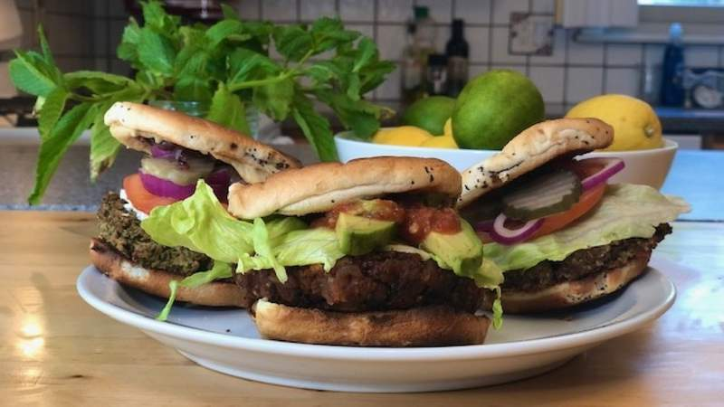 Veggie burgers with Michelle Oliver on Live in the D