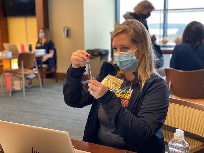 U M Begins Covid 19 Vaccinations At Michigan Stadium In Ann Arbor