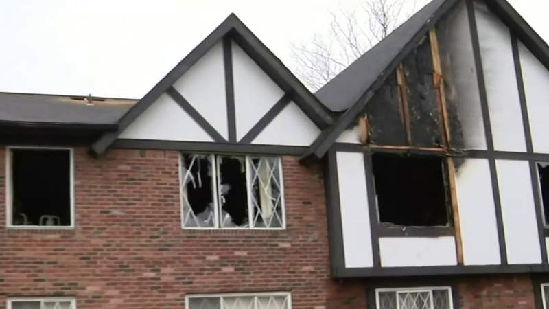At least 30 displaced by apartment fire in Southfield