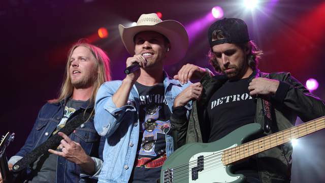 Dustin Lynch performs at Faster Horses 2018 at Michigan International Speedway on July 22, 2018. (WDIV)