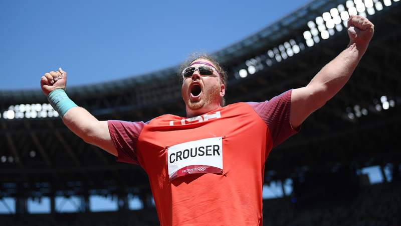 TOKYO, JAPAN - AUGUST 05:  Ryan Crouser of Team United States celebrates as he wins the gold medal in the Men's Shot Put Final on day thirteen of the Tokyo 2020 Olympic Games at Olympic Stadium on August 05, 2021 in Tokyo, Japan. (Photo by Matthias Hangst/Getty Images)