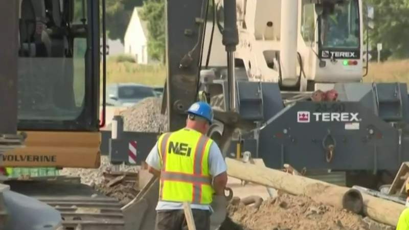 I-75 closing this weekend between 8 Mile to Square Lake