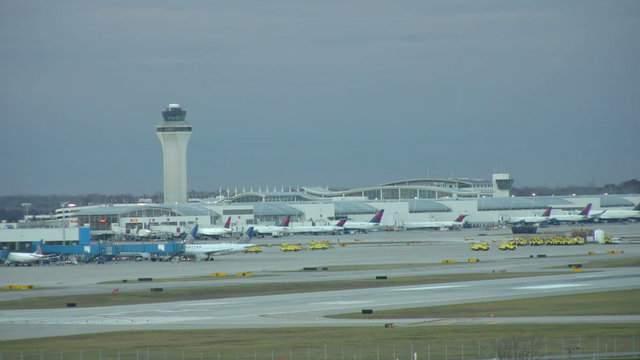 Detroit Metro Airport (WDIV)