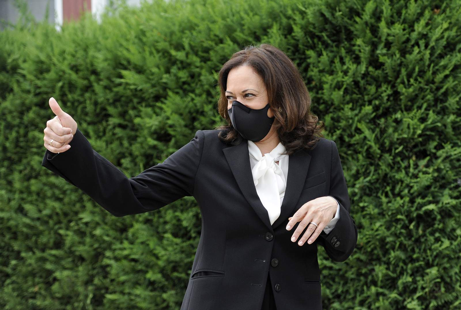 Watch Live Kamala Harris Holds Shop Talk Event In Detroit To Discuss Racial Justice More