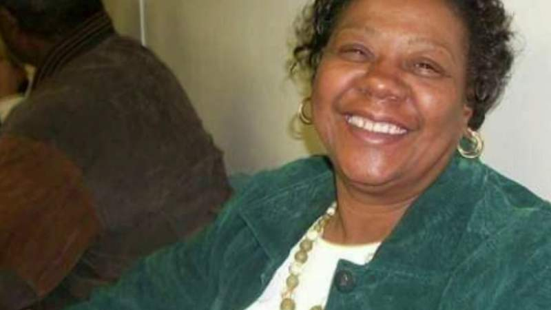 Detroit firefighter says it took days for hospital to find mother's body after she died from COVID-19