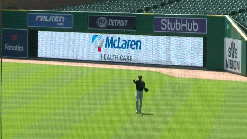Cameron Maybin makes sliding catch to rob Jonathan Schoop during Tigers intrasquad game