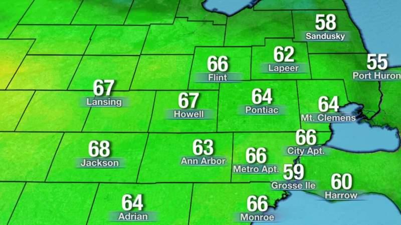 Metro Detroit weather: Mild to cool Saturday night, slight chance of showers, 5/1/21, 11 p.m. update