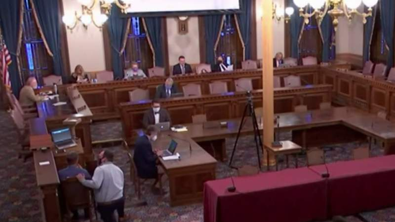Lawmakers tasked with fixing Michigan unemployment problems after hearing from frustrated residents