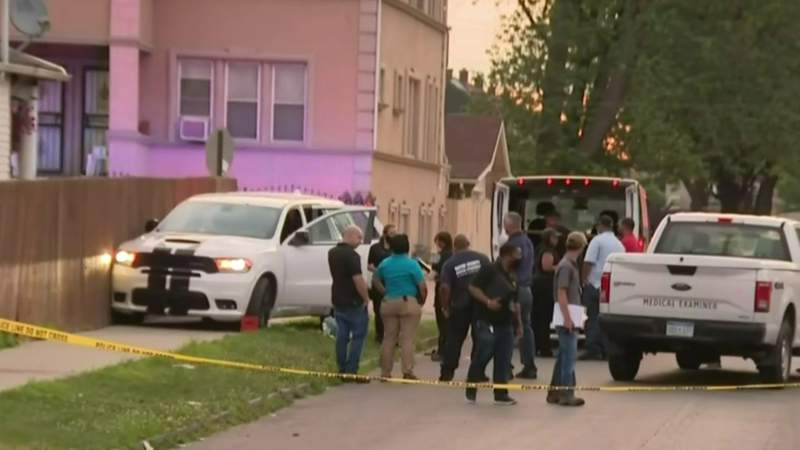 Detroit police investigate quintuple shooting that killed 1, injured 4