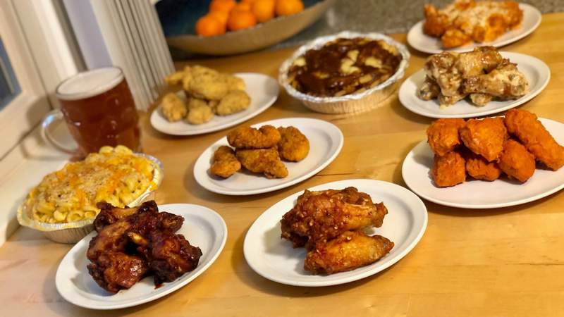 Dine in the D - Detroit Wing Company on Live in the D