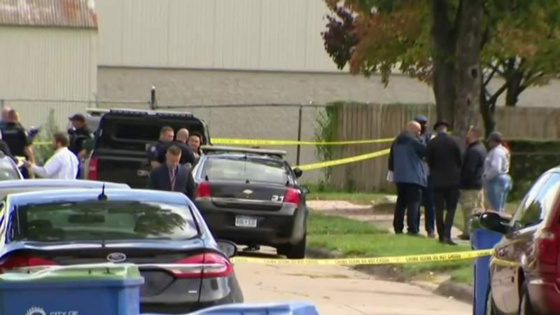 Warren police investigating double-homicide on city's southwest side