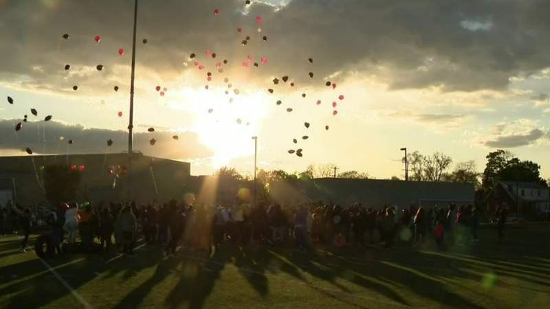 Community pays tribute to belowved coach killed in Detroit shooting