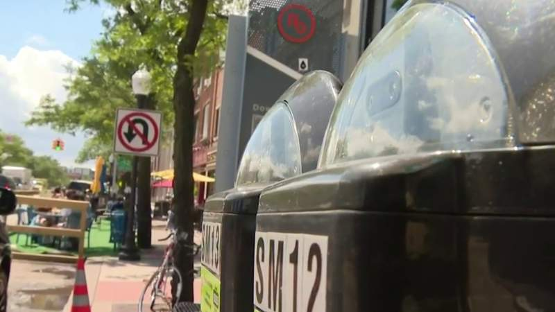 Royal Oak set to install parking meters that automatically issue tickets