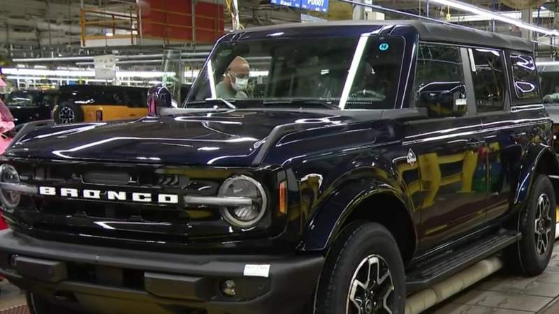2021 Ford Bronco heads to dealerships nationwide from Michigan Assembly Plant