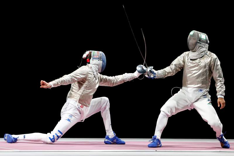 Aron Szilagyi, Sun Yiwen make history with wins in gold-medal fencing matches