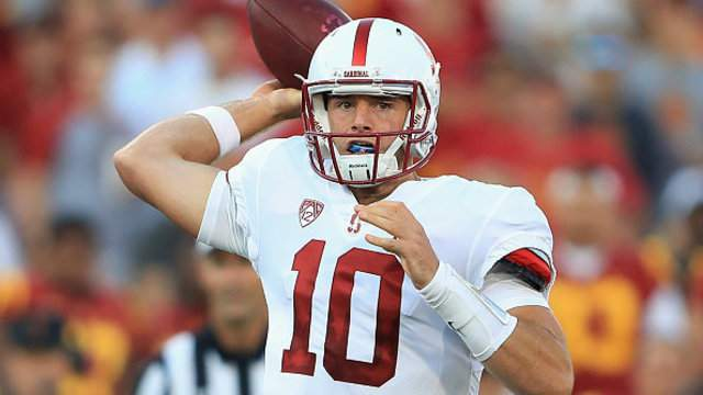 Keller Chryst #10 of the Stanford Cardinal throws a pass during the second quarter against the USC Trojans (GETTY)