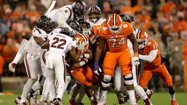 Clemson Football Vs South Carolina Time Tv Schedule Game Preview Score